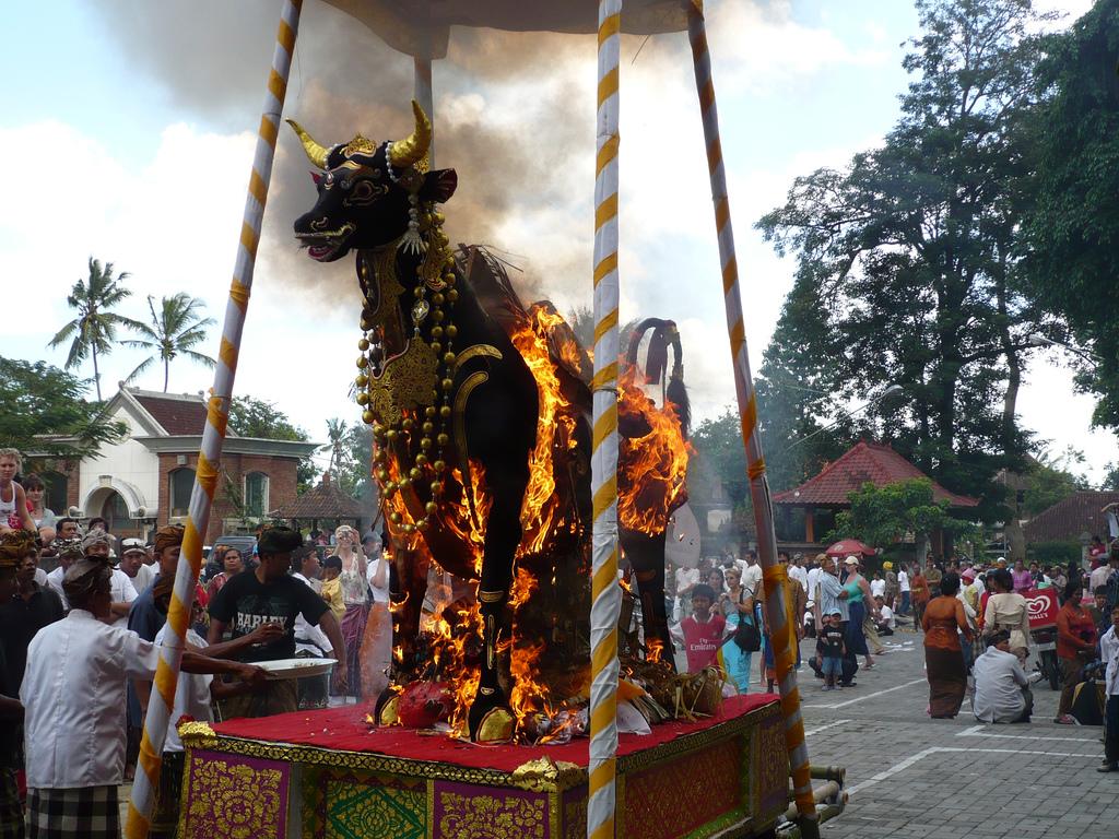 Религия на Бали: история, традиции и основы