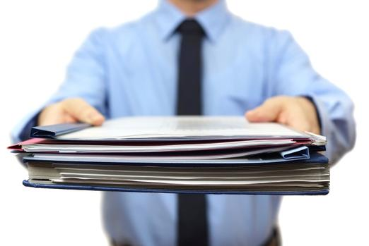 менеджер с документами