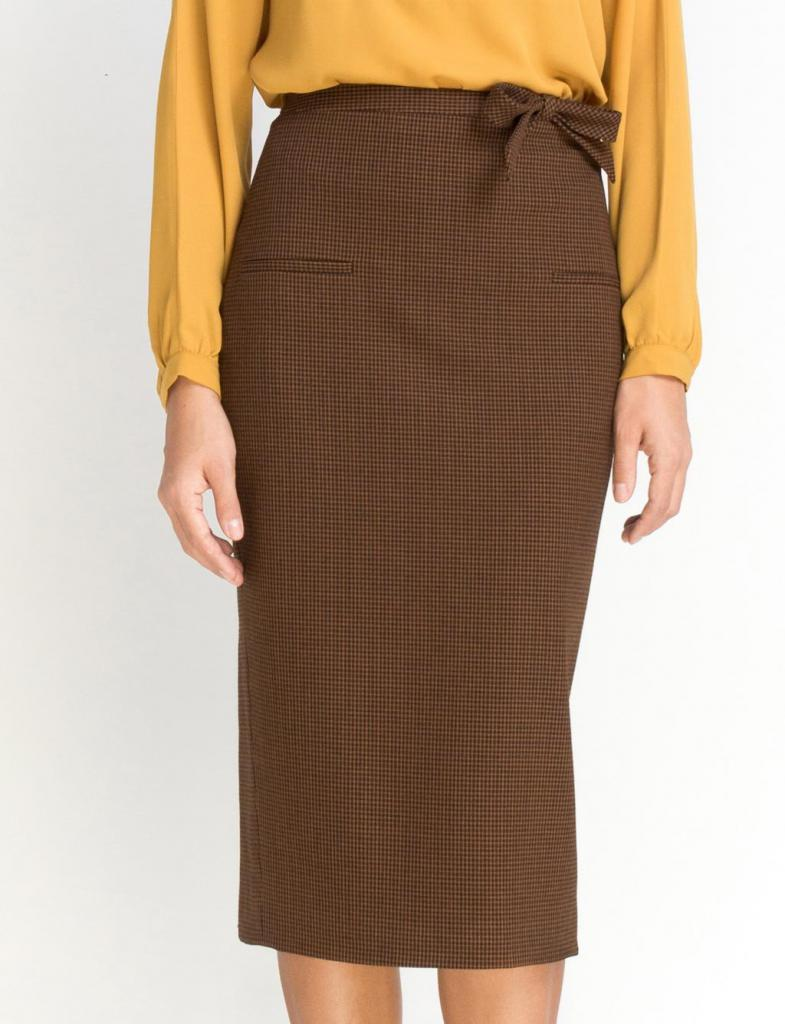 Коричневая юбка-карандаш ниже колена