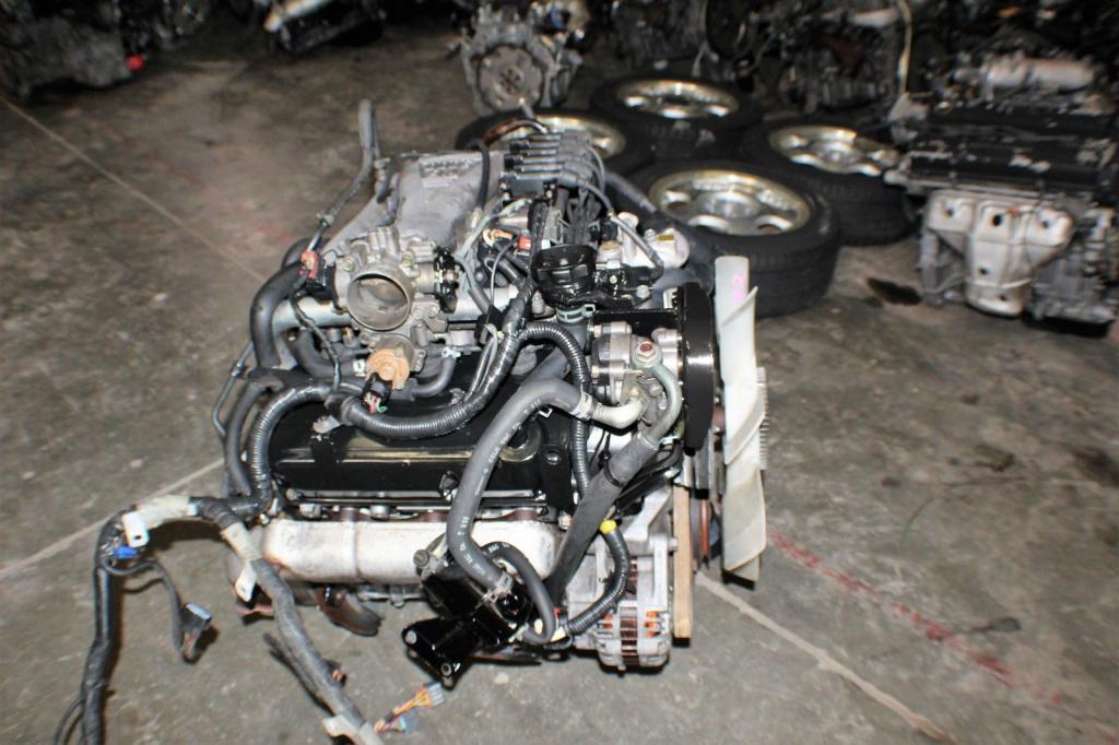 Трехлитровый двигатель вживую