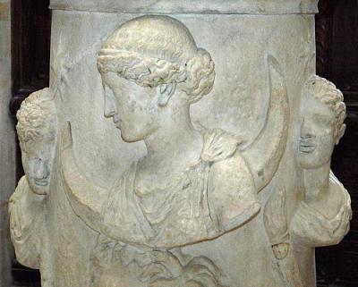 Древнегреческий бог селена кто она
