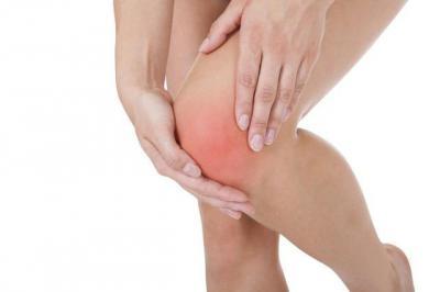 боль в колене сбоку с внешней стороны при надавливании