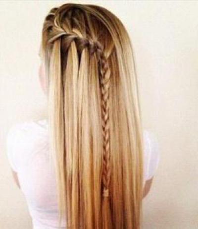 a472314b5f5 Красивые прически с распущенными волосами в школу  интересные идеи ...