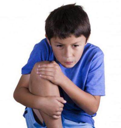 Боль и отек коленного сустава у ребенка