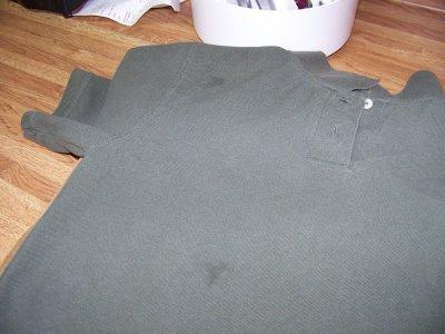 Как удалить жирное пятно с футболки фото