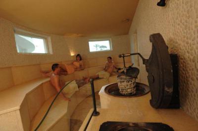 Эротическое видео совместное посещение бани в европе — 1