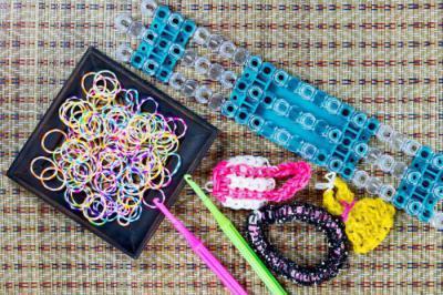как плести чехол для телефона из резинок техника плетения