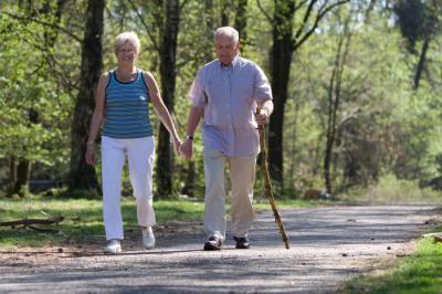 Уход за пожилыми больными на дому с проживанием