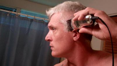 Как подстричь волосы самому себе машинкой