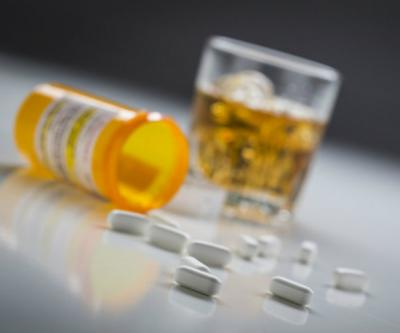 """Лоперамид"""" и алкоголь: инструкция, совместимость, отзывы и последствия"""