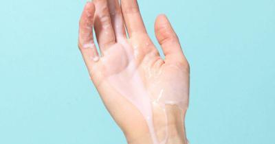 Жидкая сперма и розовый цвет