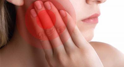 Может ли от зуба болеть горло и ухо