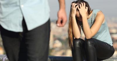 Пожалеть девушку которая устала от работы работа в кирове без опыта девушкам