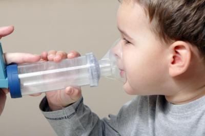 Ребенок 1 год хрипит и кашляет