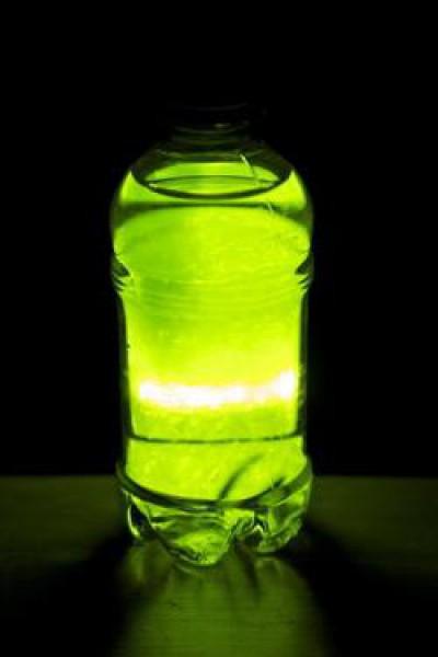 Как сделать светящую жидкость фото 586